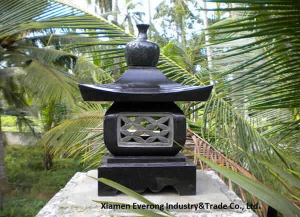 stone lantern (2)